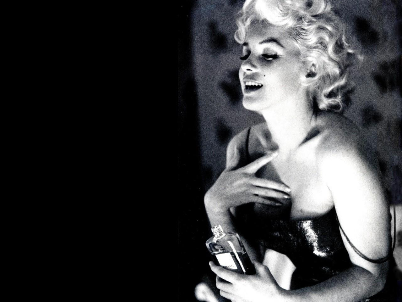 Marilyn-Monroe-for-Chanel-No.-5